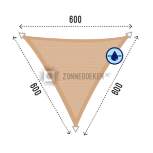 Zonnedoek voor in de tuin in de vrom van een driehoek formaat 6x6x6m, waterdoorlatend.